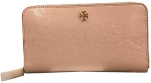 Tory Burch Robinson zip Patent continental wallet
