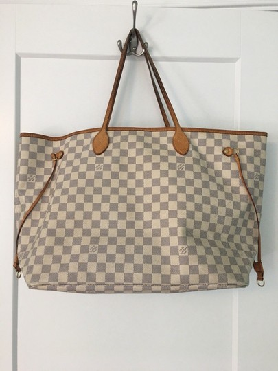 Louis Vuitton Tote in white/brown