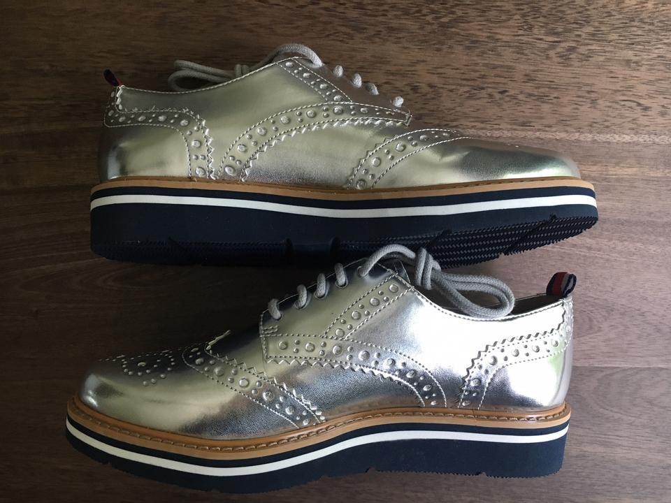 320cac083 Tommy Hilfiger Silver Kabriele Leather Oxfords Platforms Size US 6.5 ...