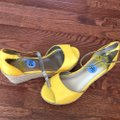 Fergalicious by Fergie Yellow O Wedges Size US 6.5 Regular (M, B) Fergalicious by Fergie Yellow O Wedges Size US 6.5 Regular (M, B) Image 5