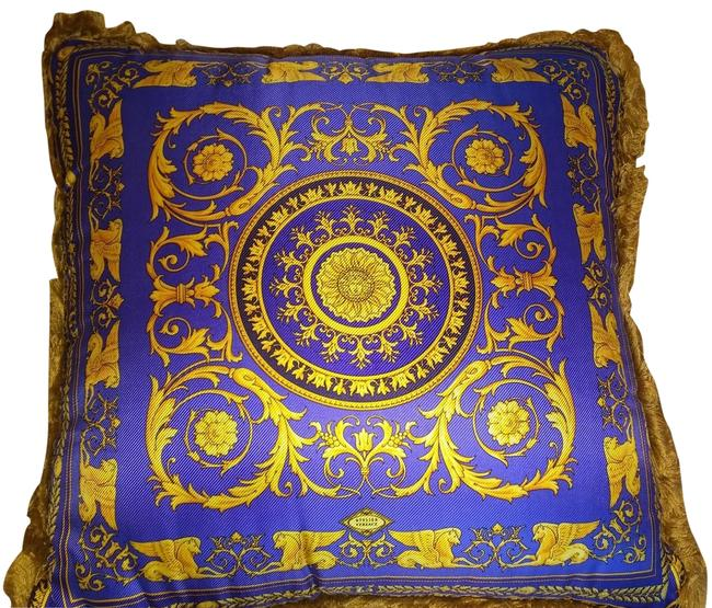 Item - Gold Blue Red Pillow