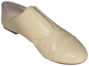 Tsubo New Without A Box With Elastic Rubber Soles Loafer Or Low Booty light beige/pale yellow patent leather Flats