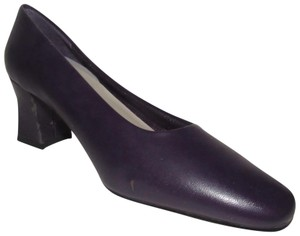 "Fanfares Dressy Or Casual New Old Stock Unusual Color Classic Style Size 7 With 3"" Heel purple leather Pumps"