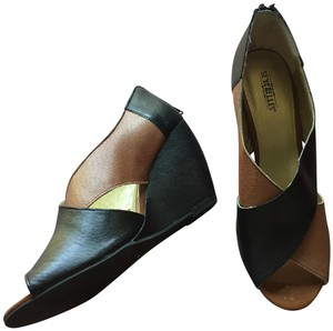 Seychelles Leather Peep Toe Sandal Two Tone brown and black Wedges