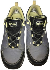 Ahnu Leather + Waterproof Vibram Sole Nonsmoking-nonpet Worn Only 2 Times Size 8.5 (Womens) denim blue / gray blue Boots