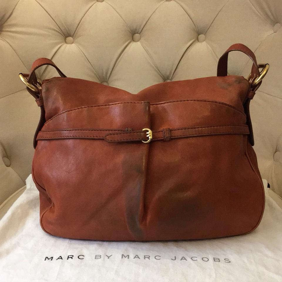 a379c31514e7 Marc by Marc Jacobs Petal To The Metal Natasha Brown   Gold Pebbled Leather  Messenger Bag - Tradesy