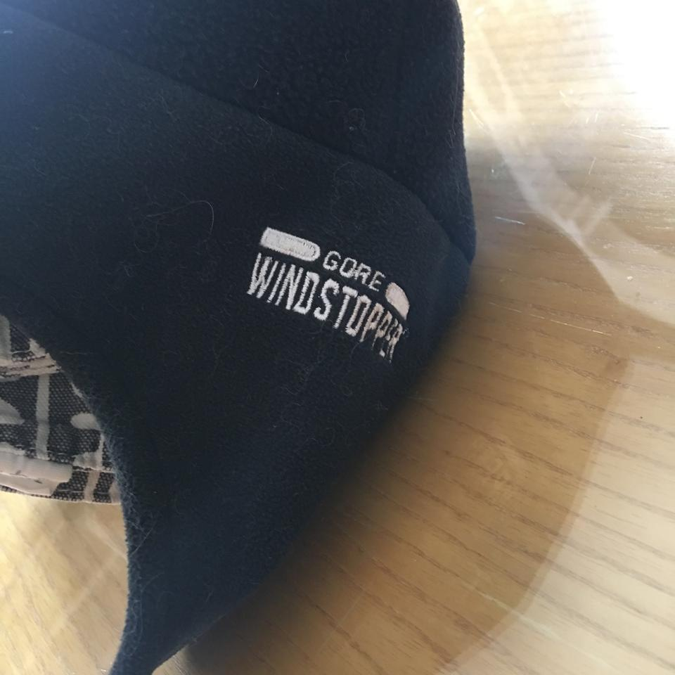 956101698 The North Face Black Fleece Windproof Cap with Earflaps Hat 57% off retail