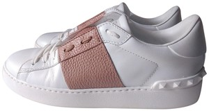 Valentino Sneaker Pebbled Leather Rockstud White Athletic