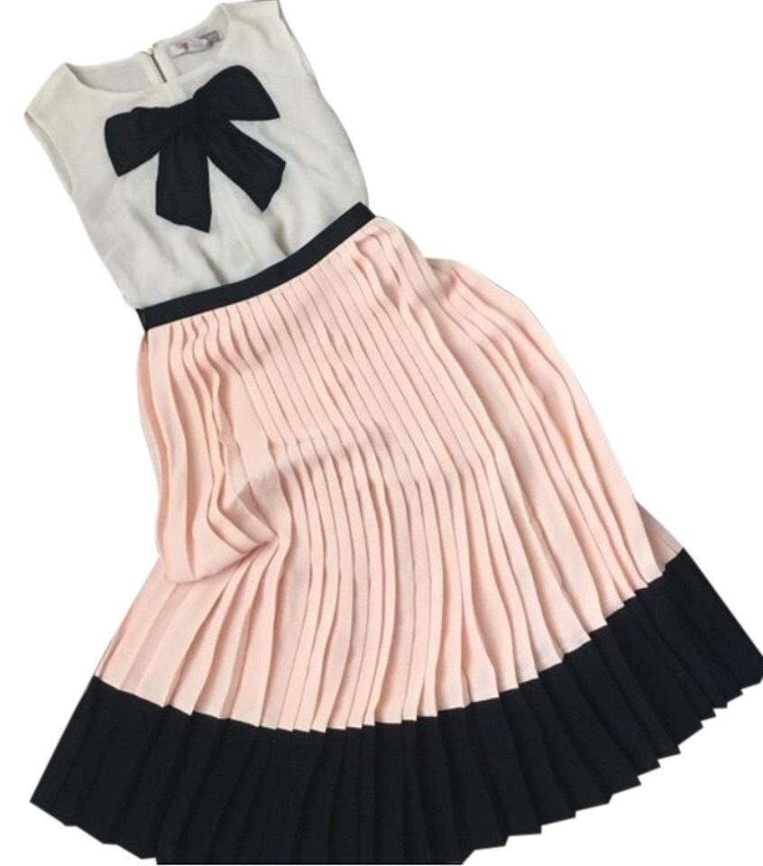 b592c4baf Kate Spade Peach and Black Crepe Pleated Skirt Size 4 (S, 27) - Tradesy