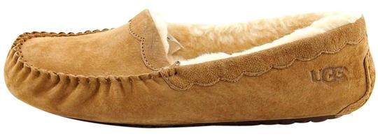 8f60626ab04 UGG Australia Chestnut Reissue- Genuine Sheepskin Scalloped Moc Read Flats  Size US 8 Regular (M, B)