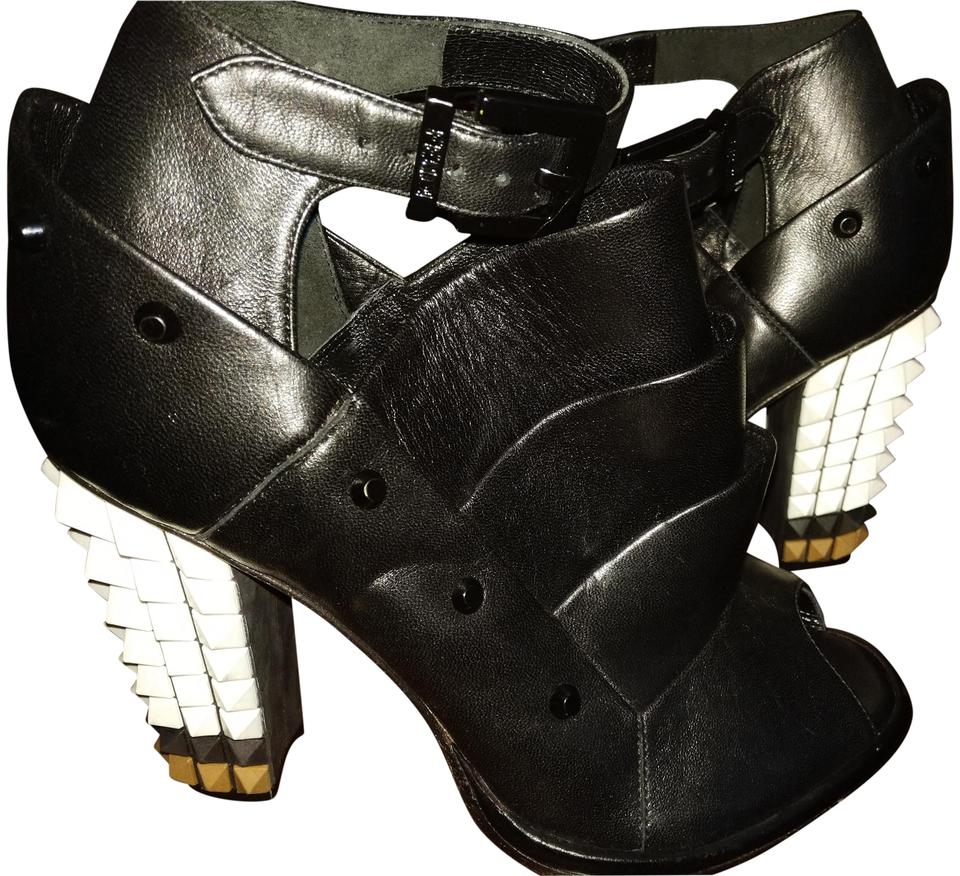 Fendi Made Black White Beige New Made Fendi In Italy R36.5 Ankle Strap Studded Boots/Booties 012dd8