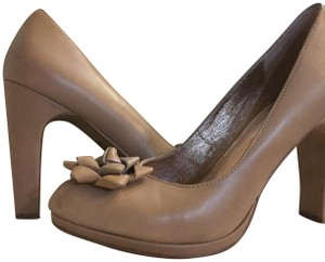 Miss Albright Size 8.5 Leather Anthropology tan Pumps