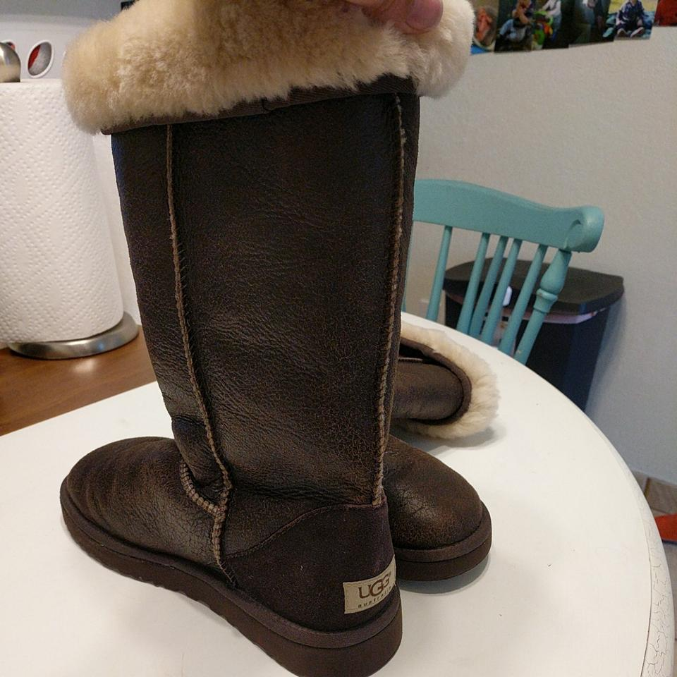 357eb53225c UGG Australia Brown Classic Tall Bomber 5804 Boots/Booties Size US 10 Wide  (C, D)