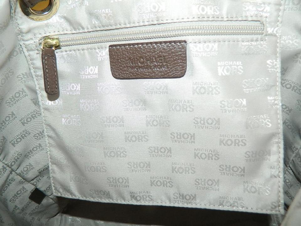 ab265cd22048cd Michael Kors Jet Set Mk Tote in Khaki/Light Brown/Mahogany/Gold Image.  123456789101112