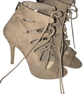Chinese Laundry taupe Sandals