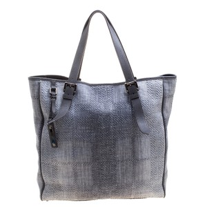 Burberry Tote in Grey
