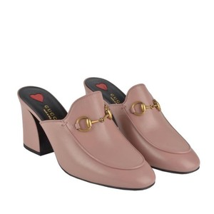 3db48f0bf01 Gucci Mules   Clogs - Up to 90% off at Tradesy