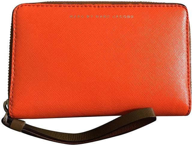 Item - Pike Place Cement Zip Phone Purse Wallet Orange and Brown Leather Wristlet