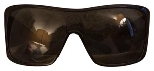 Louis Vuitton Louis Vuitton Sunglasses Serial number in pictures.
