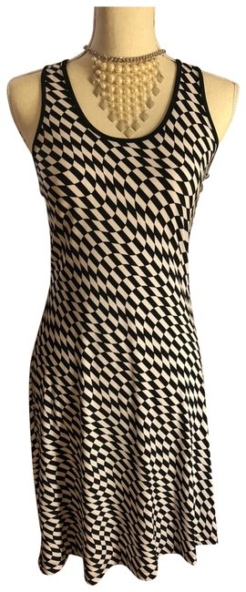 """Item - Black & White Checked """"wave"""" Print Silky Mid-length Night Out Dress Size 2 (XS)"""