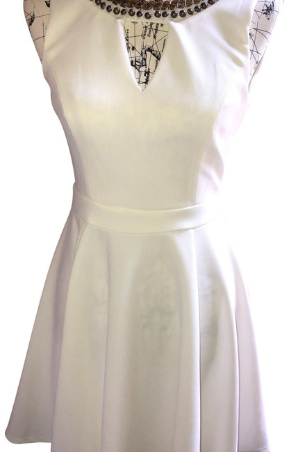 Item - White Gold Beaded Detail Short Casual Dress Size 6 (S)