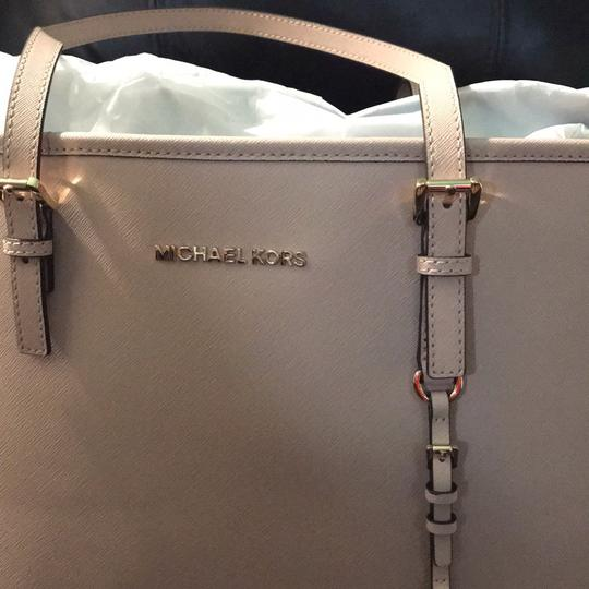 Michael Kors Tote in Dusty Pink Image 4