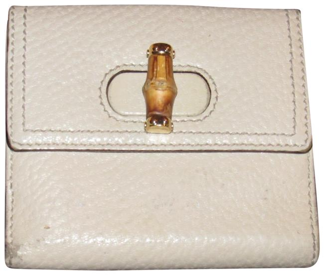 Item - Ivory Leather/Bamboo Clasp Line Wallet