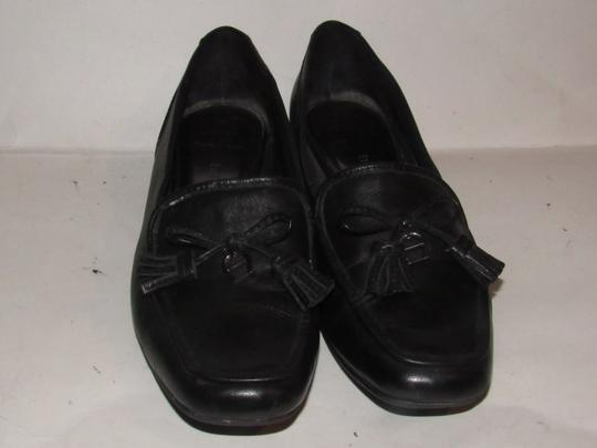 Etienne Aigner Square Pointy Toe Excellent Condition Chrome 'a' Charms 'jason' Style Bow Accent W Tassel black leather Flats Image 4