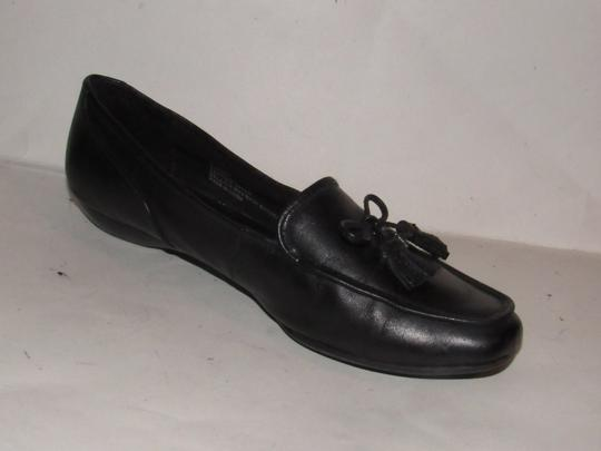 Etienne Aigner Square Pointy Toe Excellent Condition Chrome 'a' Charms 'jason' Style Bow Accent W Tassel black leather Flats Image 8