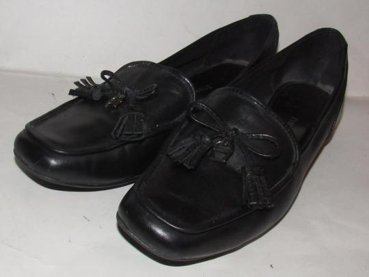 Etienne Aigner Square Pointy Toe Excellent Condition Chrome 'a' Charms 'jason' Style Bow Accent W Tassel black leather Flats Image 9