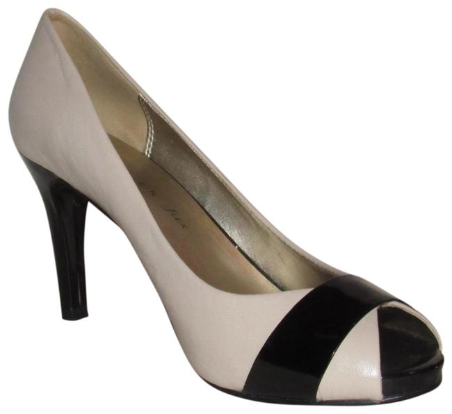 Anne Klein Ivory Leather and Black Patent Leather Shoes/Designer Pumps Size US 8.5 Regular (M, B) Anne Klein Ivory Leather and Black Patent Leather Shoes/Designer Pumps Size US 8.5 Regular (M, B) Image 1