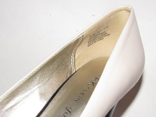 Anne Klein Open Toe Style Excellent Condition '7oakes' ivory leather and black patent leather Pumps Image 10