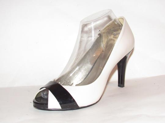Anne Klein Open Toe Style Excellent Condition '7oakes' ivory leather and black patent leather Pumps Image 3