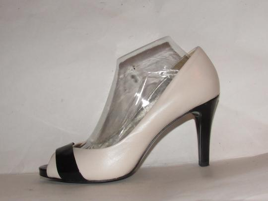 Anne Klein Open Toe Style Excellent Condition '7oakes' ivory leather and black patent leather Pumps Image 9