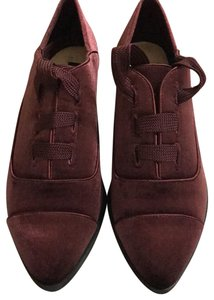 Nine West burgundy Flats