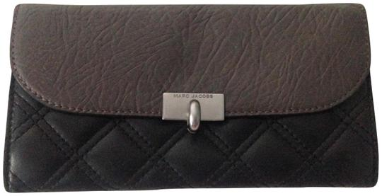 Preload https://img-static.tradesy.com/item/23469546/marc-by-marc-jacobs-grey-charcoal-grey-dark-quilted-the-deluxe-wallet-0-3-540-540.jpg