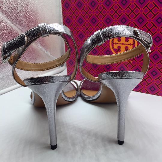 Tory Burch Metallic Leather Heels Ankle Strap Silver Sandals Image 8