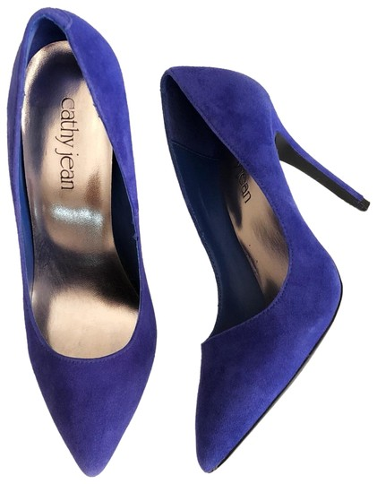 Preload https://img-static.tradesy.com/item/23469902/cathy-jean-blue-pumps-size-us-75-regular-m-b-0-2-540-540.jpg
