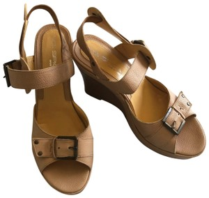Via Spiga Wedge Sandal Buckle Tan Platforms