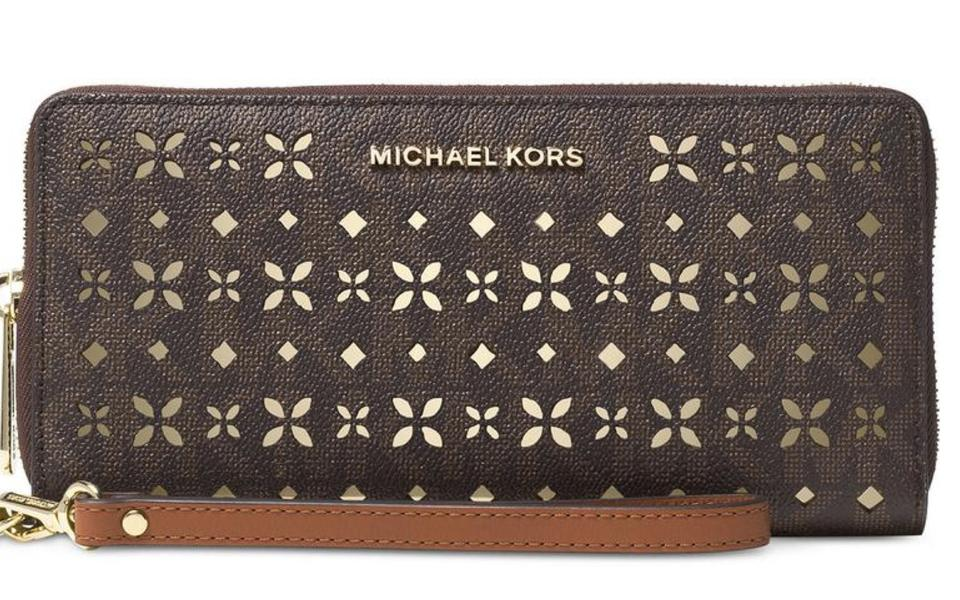 00ae1a962a79 Michael Kors Brown Mk Signature Jet Set Travel Large Travel Continental  Wallet