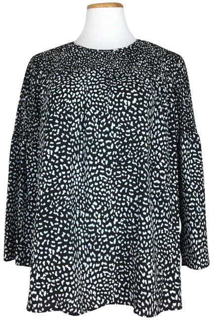 Preload https://img-static.tradesy.com/item/23470587/michael-kors-black-white-and-bell-sleeves-blouse-size-8-m-0-2-650-650.jpg