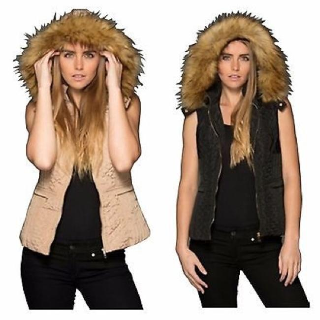 Item - Black Or Khaki Fur Vest Size 12 (L)