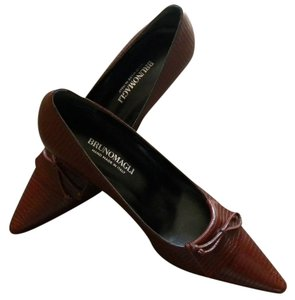 BRUNO MAGLI Brown Pumps