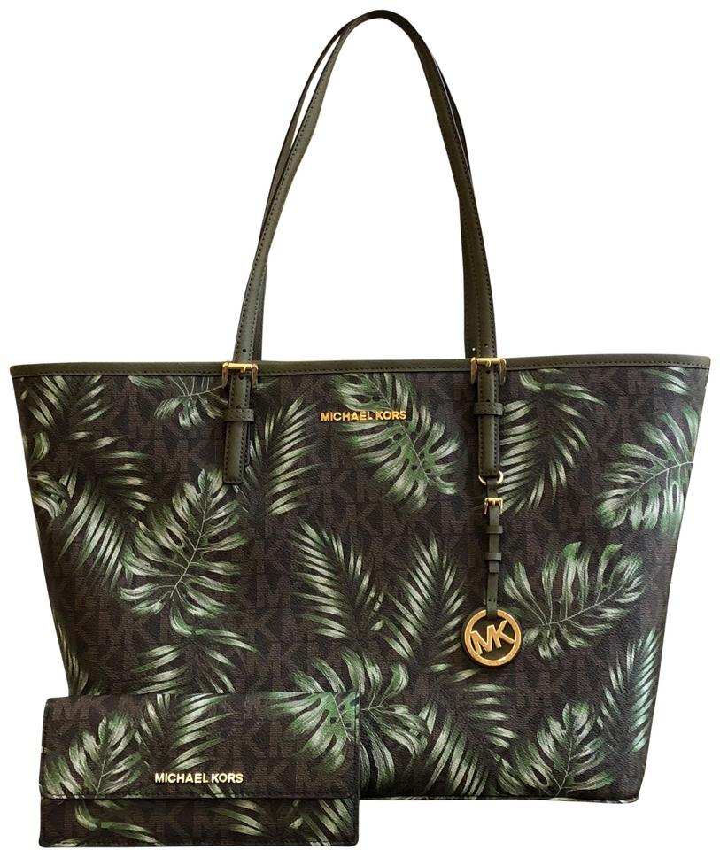 11e142f11c56 Michael Kors Mk Carryall Saffiano Leather Travel Carryall Tote in  brown olive green Image 0 ...