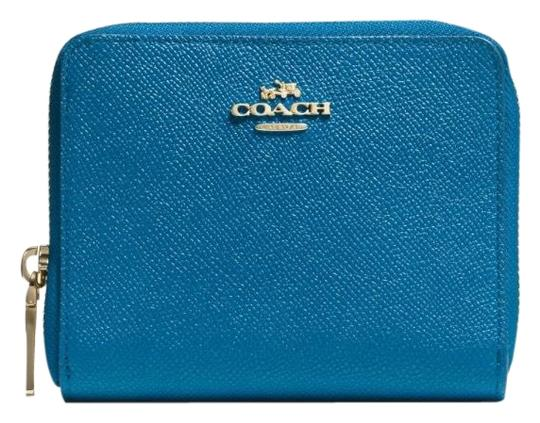 Preload https://img-static.tradesy.com/item/23476170/coach-blue-denim-zipper-wallet-0-1-540-540.jpg