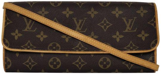 Preload https://item4.tradesy.com/images/louis-vuitton-pochette-twin-monogram-gm-brown-canvas-cross-body-bag-23476223-0-1.jpg?width=440&height=440
