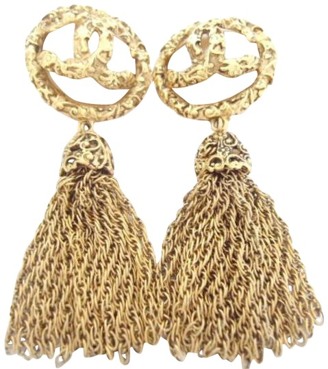 Preload https://img-static.tradesy.com/item/23476281/chanel-gold-plated-w-vintage-cc-logos-pearl-dangle-swing-large-size-clips-earrings-0-6-540-540.jpg