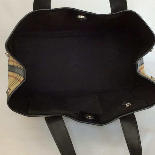 Burberry London Satchel in biege/ black