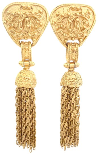 Preload https://item1.tradesy.com/images/chanel-gold-plated-vintage-cc-logos-dangle-swing-large-size-clips-earrings-23476310-0-2.jpg?width=440&height=440