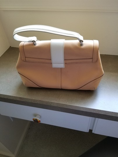 Coach Satchel in Two-Tone-Sand & Off White